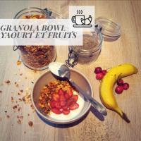 GRANOLA BOWL, YAOURT ET FRUITS